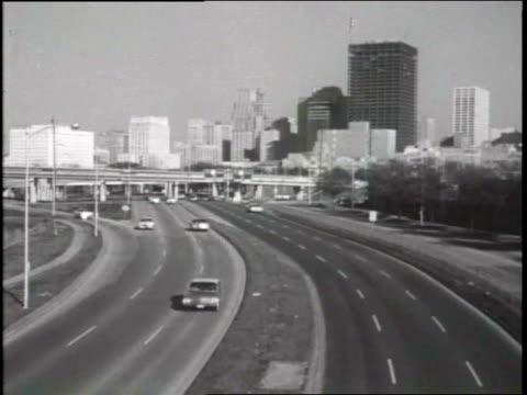 houston skyline - anno 1965 video stock e b–roll