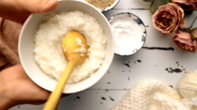 how to make rice pudding (turkish fırın sütlaç) - eastern european culture stock videos & royalty-free footage