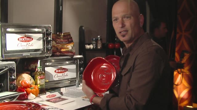 howie mandel at the bertolli at the presenters gift lounge celebrating the primetime emmy awards hosted by aeg ehrlich ventures at los angeles ca. - gift lounge stock videos & royalty-free footage