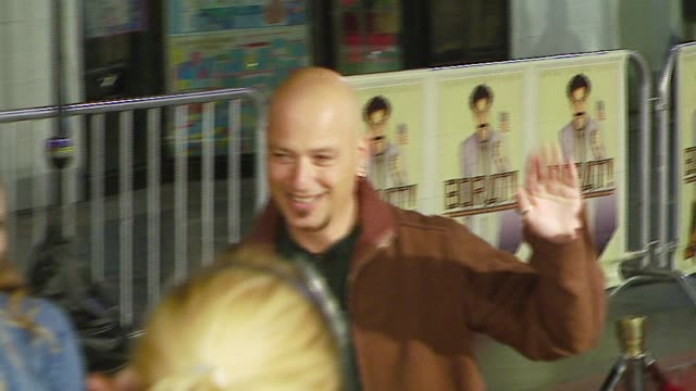 howie mandel at the 'borat cultural learnings of america for make benefit glorious nation of kazakhstan' world premiere at grauman's chinese theatre... - borat stock-videos und b-roll-filmmaterial