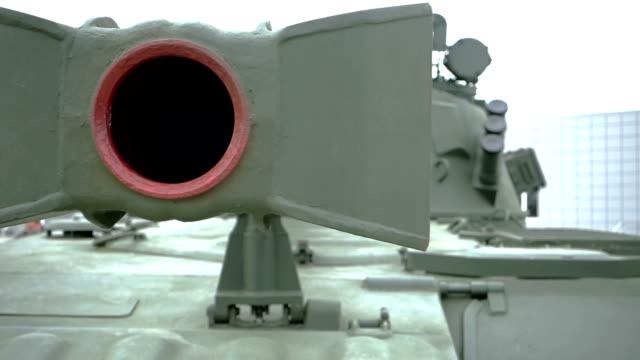 howitzer gun barrel - gun barrel stock videos & royalty-free footage