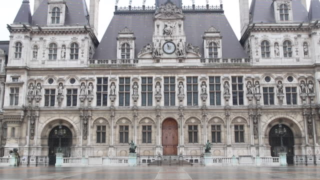 hôtel de ville, paris, without anyone - town hall stock videos & royalty-free footage