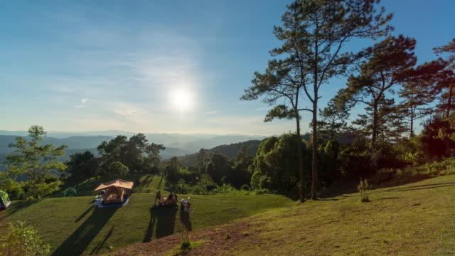 クエットチャン、メーテーン郡、チェンマイに夕日を持つ懐南丹国立公園 - 映像技法点の映像素材/bロール