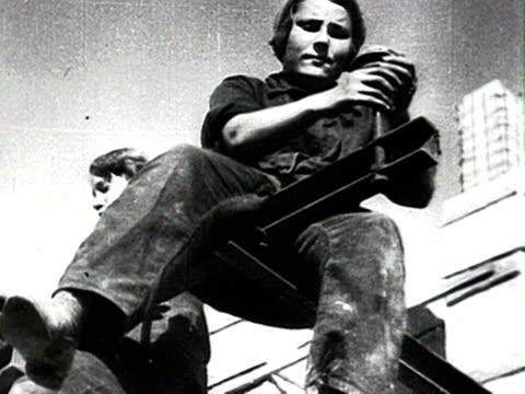 ws huge factory waudio/ russia smokestacks molotov visit - anno 1928 video stock e b–roll