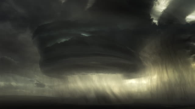 huge giant extreme lightning storm - 4k - temporale video stock e b–roll