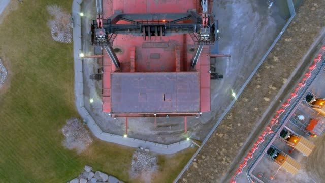 Huge mining machines