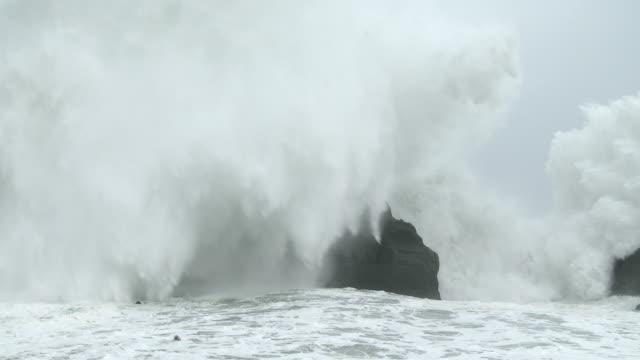 huge waves crash into rocky coastline as typhoon soudelor nears landfall - pacific ocean stock videos & royalty-free footage
