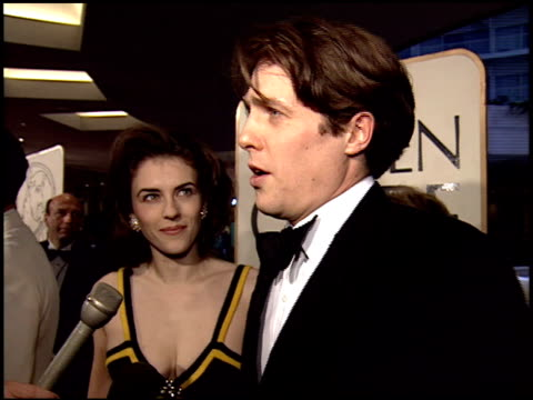 hugh grant at the 1995 golden globe awards at the beverly hilton in beverly hills california on january 21 1995 - 1995 stock-videos und b-roll-filmmaterial