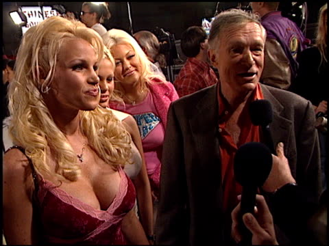 hugh hefner at the 'blow' premiere at grauman's chinese theatre in hollywood california on march 29 2001 - hugh hefner stock videos & royalty-free footage