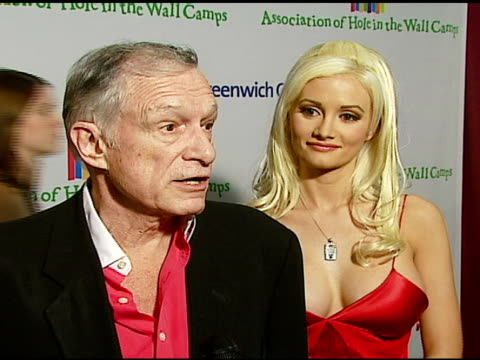 hugh hefner on tony bennett at the singers and songs celebration of tony bennetts 80th birthday by raising funds for newman�s hole in the wall camps... - hugh hefner stock-videos und b-roll-filmmaterial
