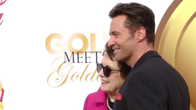 hugh jackman and billie jean king at the gold meets golden: the 5th anniversary refreshed by coca-cola, globes weekend gets sporty with athletic... - ビリー・ジーン・キング点の映像素材/bロール