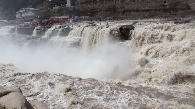 vídeos y material grabado en eventos de stock de cataratas hukou en shanxi, china - ajustado