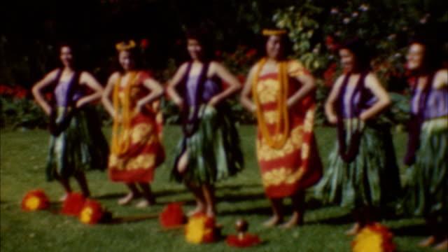 hula dance at university of hawaii on august 01 1950 in waikiki hawaii - polynesiskt ursprung bildbanksvideor och videomaterial från bakom kulisserna
