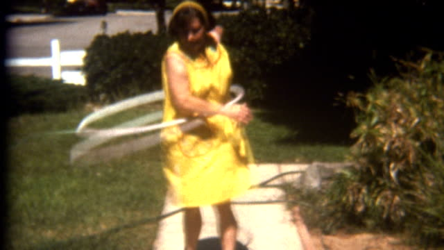 stockvideo's en b-roll-footage met hula hoop fail 1960's - archief