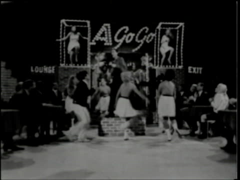 hullabaloo show 38 / live vocal sync music / hullabaloo a gogo segment - smokey robinson stock-videos und b-roll-filmmaterial