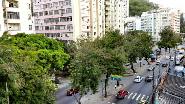 vídeos de stock e filmes b-roll de humaita district main avenue - placa de nome de rua