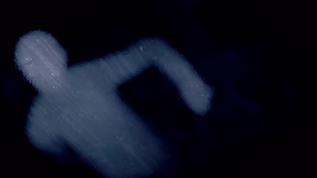 menschlichen körper fällt auf eisfläche. abstrakte digitale animation hintergrund. 3d-rendering. 4k, ultra-hd-auflösung - menschlicher körper stock-videos und b-roll-filmmaterial