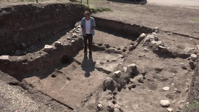 vídeos de stock e filmes b-roll de a human skeleton that dates back to an estimated 8500 years was found in turkey's northwestern bilecik province on august 25 according to the... - encontrar