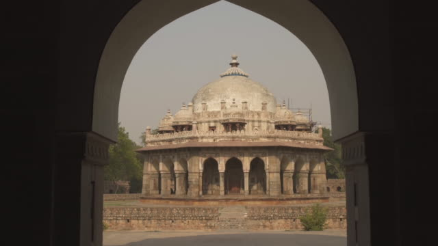 w/s steadycam humayun tomb - arco architettura video stock e b–roll