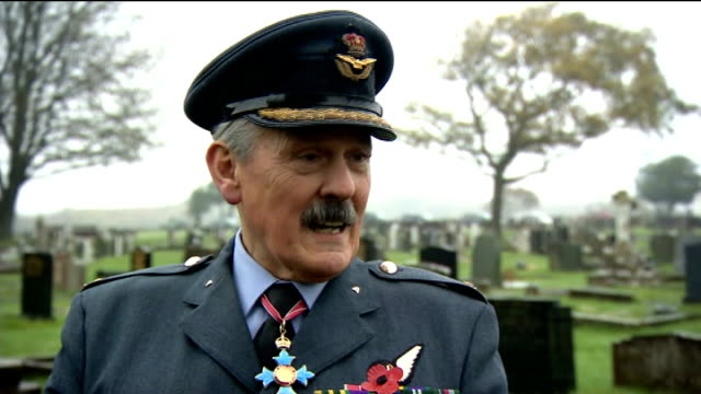 hundreds attend funeral of world war two veteran harold jellicoe percival lytham st annes ext sergeantmajor philip da silva interview sot group... - captain stock videos and b-roll footage
