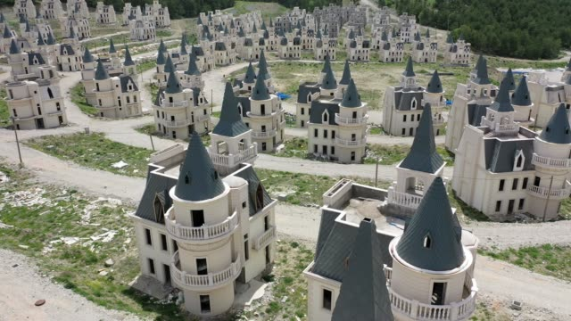 TUR: Turkey's Abandoned 'Castle' Community