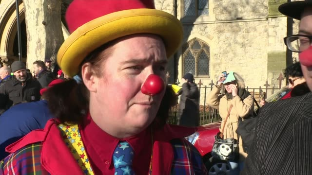 hundreds of clowns attend annual clown's service in london england london haggerston ext silly tilly interview sot - itv london tonight weekend点の映像素材/bロール