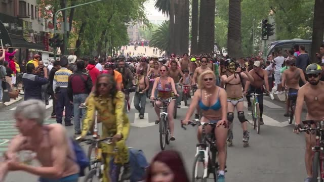 Hundreds of cyclists stripped down Saturday in Mexico City to denounce aggresive drivers during the World Naked Bike Ride and to raise awareness...