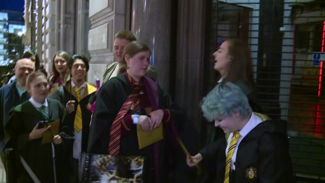 hundreds of fans queue for 'harry potter and the cursed child' screenplay england london piccadilly gvs fans queuing around block outside waterstones... - harry potter stock videos & royalty-free footage