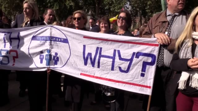 hundreds of headteachers have gathered at a protest in central london to demand extra cash for schools they marched on downing street to deliver a... - schulleiter stock-videos und b-roll-filmmaterial