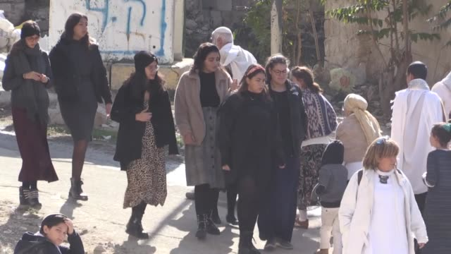 hundreds of jewish settlers on november 23, 2019 force their way into the ibrahimi mosque in the west bank city of hebron to celebrate the chayevi... - palestinian stock videos & royalty-free footage