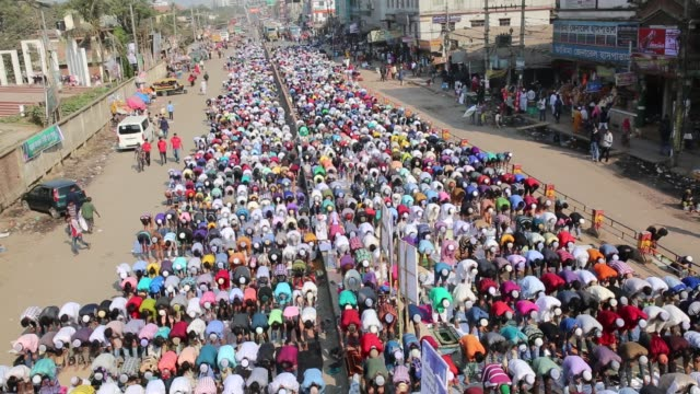 hundreds of muslims take friday prayers in congregation grounds as muslims take part in biswa istema, the second largest religious gathering of... - friday stock videos & royalty-free footage