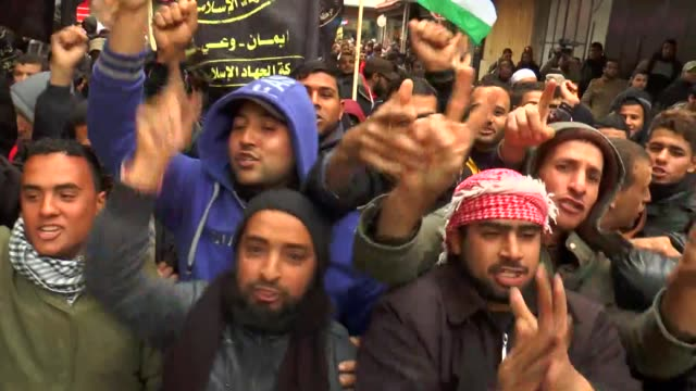 hundreds of palestinians in the gaza strip stage demonstrations for the fifth week in a row to protest the controversial us move on january 05 2018... - israel palestine conflict stock videos & royalty-free footage