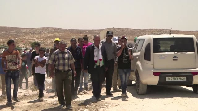 Hundreds of people including Israeli and foreign activists demonstrated on Friday in Susiya against the Israeli authorities' plans to demolish the...