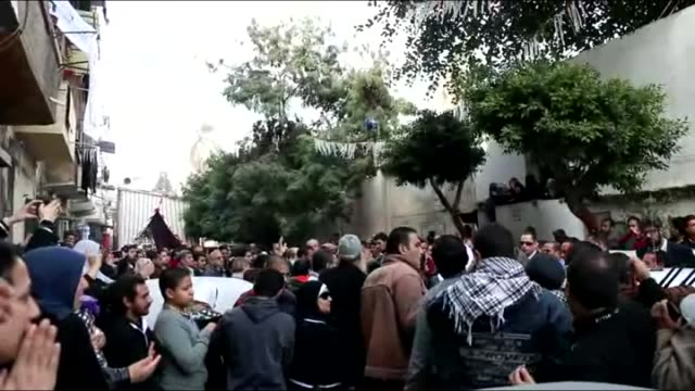 vídeos de stock, filmes e b-roll de hundreds of people protest the killing of socialist popular alliance party activist shaimaa alsabbagh shot to death during the protests held for the... - arab spring