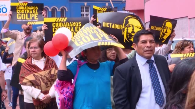 hundreds of peruvians protest in lima against president martin vizcarra and his decision to dissolve congress - martín vizcarra stock videos & royalty-free footage