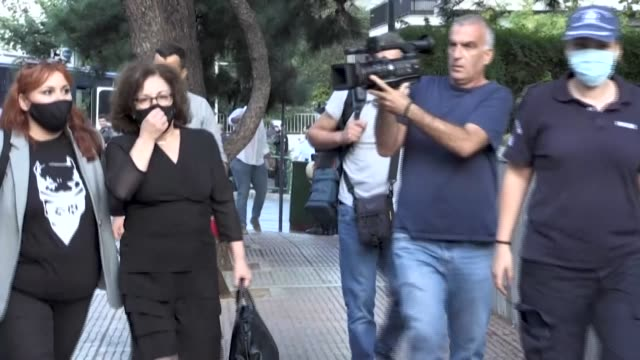 hundreds of police will deploy wednesday in the greek capital of athens ahead of a verdict in one of the most important trials in the country's... - grecia stato video stock e b–roll