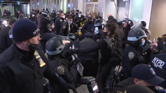 hundreds of protesters took to the streets of union square on wednesday night to arrest protestors. police officers responded to protests with... - vermont state house stock videos & royalty-free footage