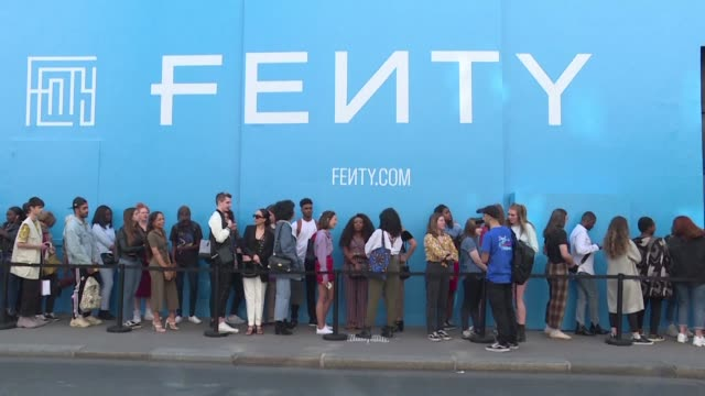 FRA: Rihanna fans queue to see singer's new Fenty collection