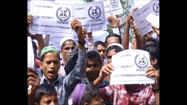 stockvideo's en b-roll-footage met hundreds of rohingya stage a peaceful demonstration in a refugee camp in bangladesh demanding justice and dignified repatriation talks among... - repatriëring