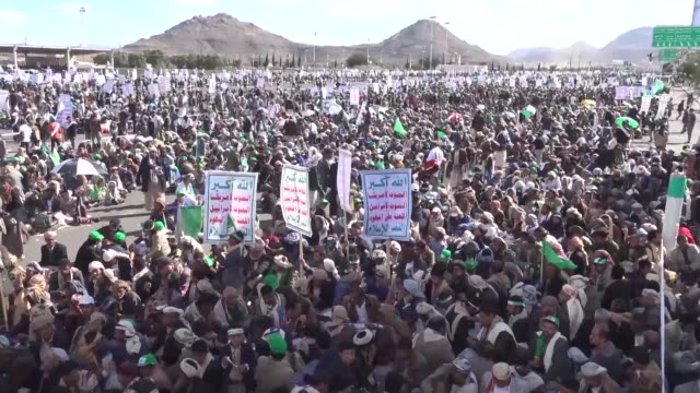 hundreds of shiite huthi supporters attend a rally marking mouled the birth anniversary of islam's prophet mohammad in the capital sanaa - shi'ite islam stock videos & royalty-free footage
