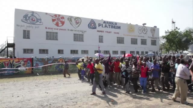 hundreds of the 12000 miners sacked by the worlds largest platinum producer in south africa on saturday rejected their dismissal at a rally that also... - grief stock videos & royalty-free footage