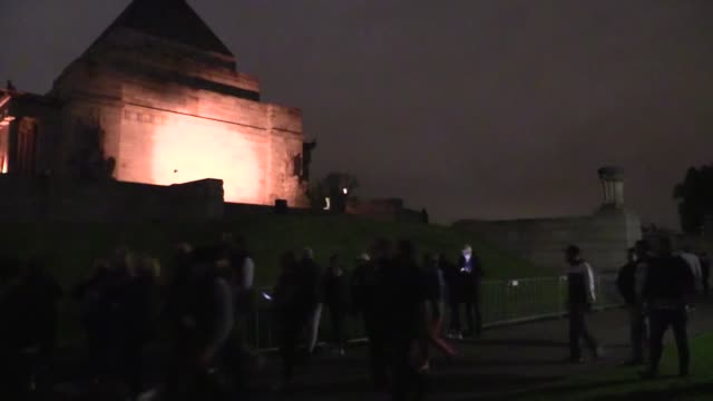 hundreds of thousands australians who attended the dawn service across their countrythe dawn ceremonies for the anzac soldiers who lost their lives... - canberra stock videos & royalty-free footage