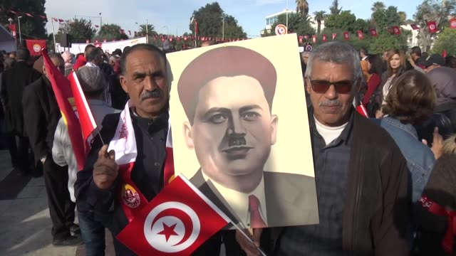 Hundreds of thousands of Tunisian civil servants on Thursday staged a general strike to demand an increase in the wages The strike organized by...