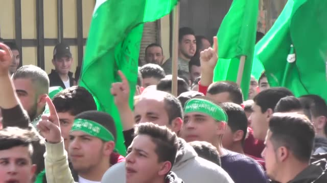 hundreds participate in a large demonstration organized by hamas and fetih movements in nablus on february 09 2018 to protest the murder earlier this... - hamas stock videos & royalty-free footage