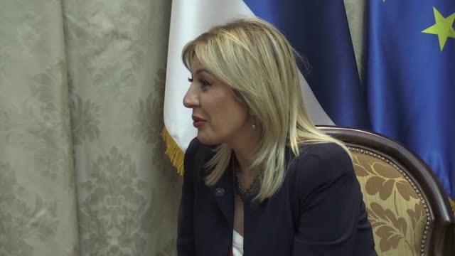 hungarian foreign affairs and trade minister peter ​​szijjarto meets serbia's european integration minister jadranka joksimovic in belgrade, serbia... - traditionally hungarian stock-videos und b-roll-filmmaterial