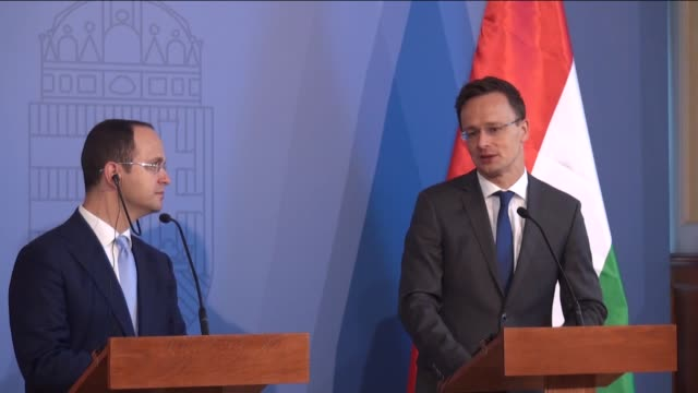 hungarian minister of foreign affairs and trade peter szijjarto and albanian foreign minister ditmir bushati hold a joint press conference in the... - osteuropäische kultur stock-videos und b-roll-filmmaterial