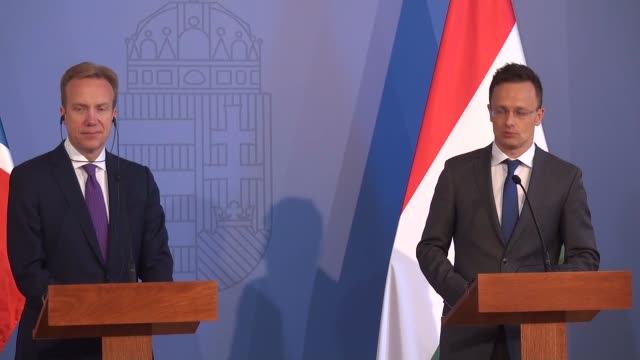 vidéos et rushes de hungarian minister of foreign affairs and trade peter szijjarto and norwegian foreign minister boerge brende hold a joint press conference after... - culture hongroise