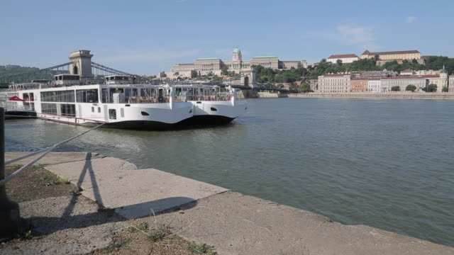 stockvideo's en b-roll-footage met hungarian nation gallery & river danube, budapest, hungary, europe - traditionally hungarian