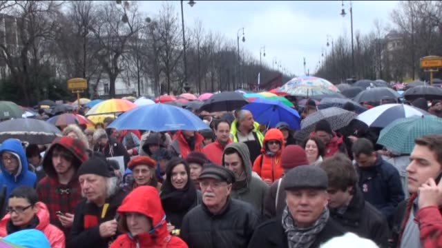 hungarian teachers gather in front of the parliament building during a demonstration against government's education policies in budapest, hungary, on... - ungarische kultur stock-videos und b-roll-filmmaterial