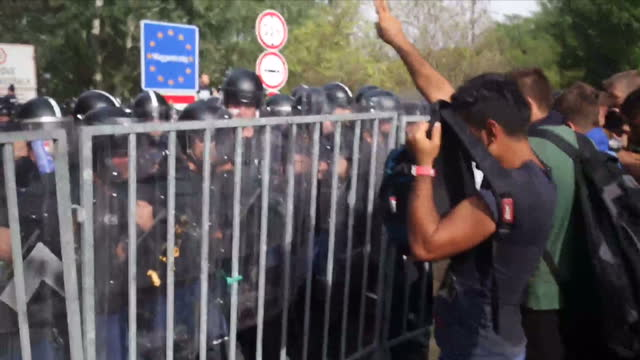 hungary's latest response to the migration crisis has been strongly condemned by the united nations high commissioner for refugees hundreds of people... - 2015 stock-videos und b-roll-filmmaterial